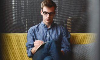 Czy warto korzystać z agencji pośrednictwa pracy?