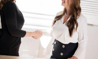 Jakie dokumenty zabrać ze sobą na wizytę w biurze pośrednictwa pracy?